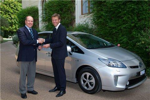 La prima Prius Plug-in consegnata in Europa al Principe Alberto II di Monaco 7 La prima Prius Plug-in consegnata in Europa al Principe Alberto II di Monaco