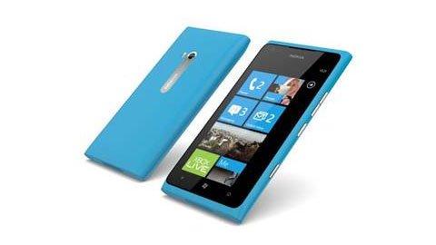 Nokia Lumia 800 e Nokia Lumia 900 si aggiudicano l'Oscar del Design 34 Nokia Lumia 800 e Nokia Lumia 900 si aggiudicano l'Oscar del Design