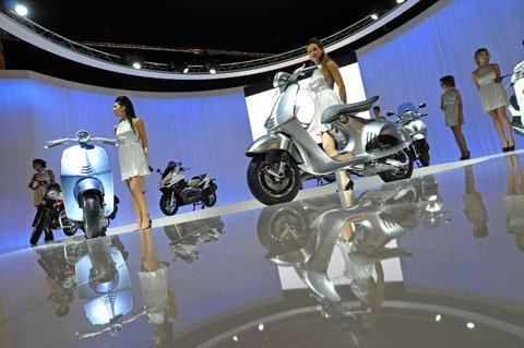 Made in Italy: Vespa 946 e Aprilia RSV4 in mostra a Mosca 50 Made in Italy: Vespa 946 e Aprilia RSV4 in mostra a Mosca