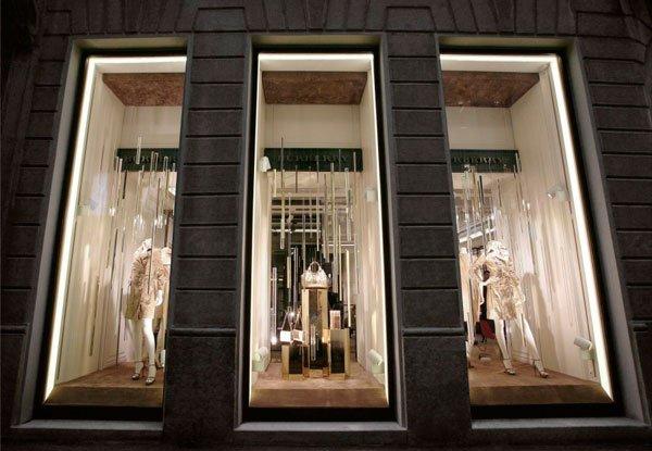 Burberry celebra l'apertura della sua prima boutique donna a Milano 9 Burberry celebra l'apertura della sua prima boutique donna a Milano