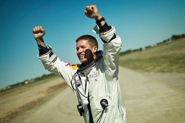 Red Bull Stratos: Missione Compiuta 14 Red Bull Stratos: Missione Compiuta