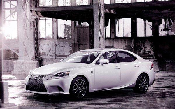 Prime immagini della nuova Lexus IS 20 Prime immagini della nuova Lexus IS