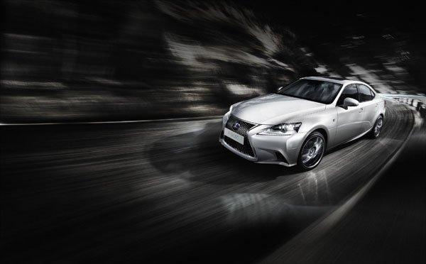 Lexus presenta la Nuova IS Hybrid 17 Lexus presenta la Nuova IS Hybrid