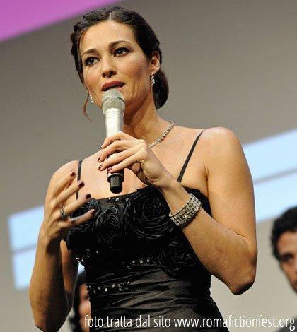 """Intervista a Manuela Arcuri: """"Vi racconto tutti i miei sogni e i progetti futuri"""" 28 Intervista a Manuela Arcuri: """"Vi racconto tutti i miei sogni e i progetti futuri"""""""
