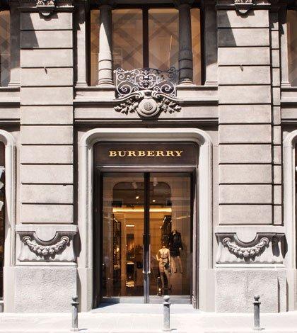 Burberry celebra l'apertura della sua prima boutique a Napoli 7 Burberry celebra l'apertura della sua prima boutique a Napoli