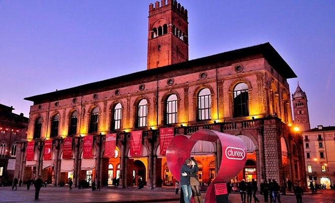 Premio Installazione Bologna - Loveville: torna il campionato nazionale dell'amore