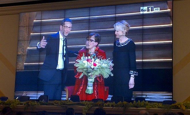 Sanremo, moda e look: le Kessler e la Valeri da 10 e lode 32 Sanremo, moda e look: le Kessler e la Valeri da 10 e lode