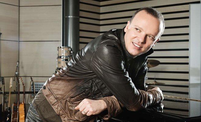 """Gigi D'Alessio, in rotazione il singolo """"Vivi"""" 58 Gigi D'Alessio, in rotazione il singolo """"Vivi"""""""