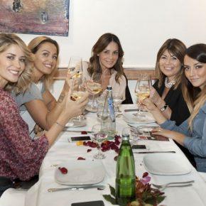Bonolis, Morise, Santarelli, Calabretta e tanti altri vip omaggiano il ristorante Strabbioni di Roma 45 Bonolis, Morise, Santarelli, Calabretta e tanti altri vip omaggiano il ristorante Strabbioni di Roma