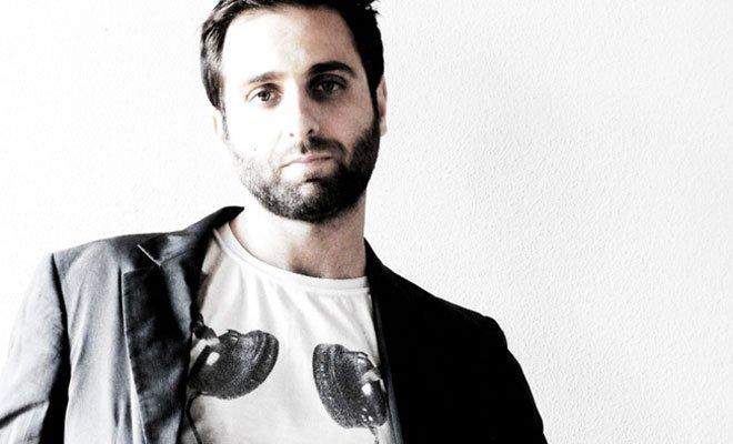 """Matteo Caccia torna in diretta radiofonica su Radio2 con il nuovissimo programma """"Una Vita"""" 16 Matteo Caccia torna in diretta radiofonica su Radio2 con il nuovissimo programma """"Una Vita"""""""