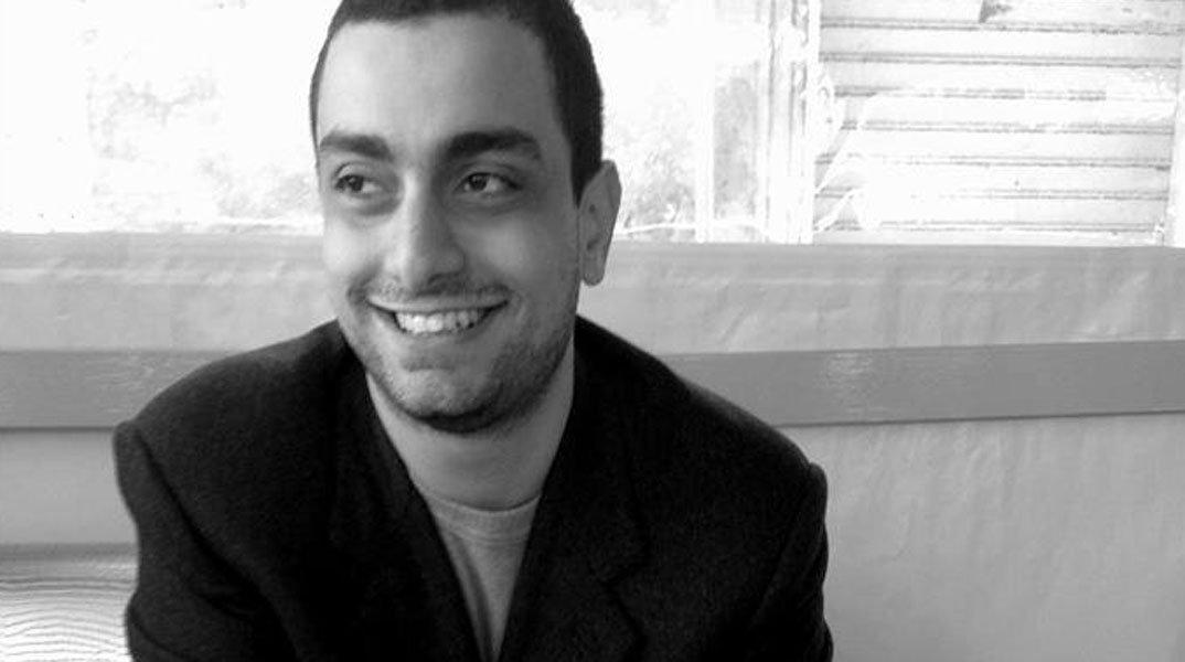 Lo sceneggiatore e regista Giuseppe Cossentino ha ricevuto qualche giorno fa 3 premi Oscar che fanno evincere il suo inestimabile lavoro che porta avanti da ... - Giuseppe-Cossentino-autore
