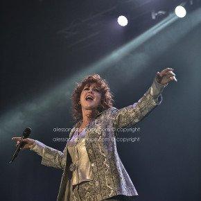 Fiorella Mannoia, grande successo a Bari. Le foto del concerto 16 Fiorella Mannoia, grande successo a Bari. Le foto del concerto