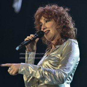 Fiorella Mannoia, grande successo a Bari. Le foto del concerto 13 Fiorella Mannoia, grande successo a Bari. Le foto del concerto