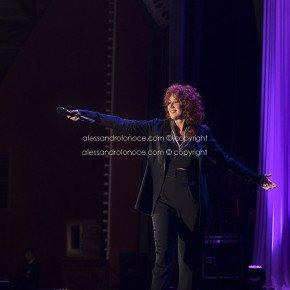 Fiorella Mannoia, grande successo a Bari. Le foto del concerto 10 Fiorella Mannoia, grande successo a Bari. Le foto del concerto