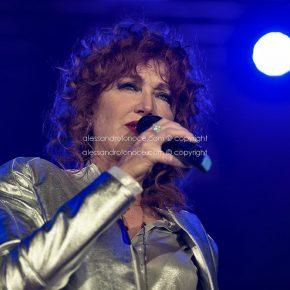 Fiorella Mannoia, grande successo a Bari. Le foto del concerto 9 Fiorella Mannoia, grande successo a Bari. Le foto del concerto