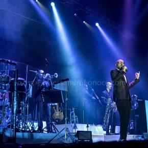 Mario Biondi Live 2015: le foto del concerto di Bari 24 Mario Biondi Live 2015: le foto del concerto di Bari