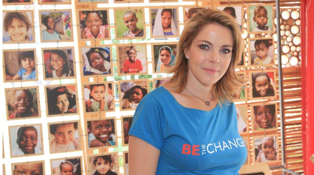 Claudia Gerini in visita al Villaggio Save the Children per l'iniziativa contro la malnutrizione e al mortalità infantile 7 Claudia Gerini in visita al Villaggio Save the Children per l'iniziativa contro la malnutrizione e al mortalità infantile