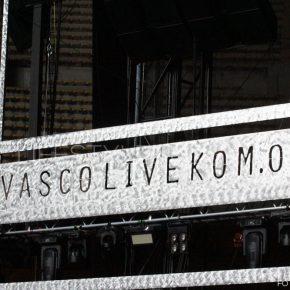 Vasco Live Kom 015: le foto del concerto di Bari 47 Vasco Live Kom 015: le foto del concerto di Bari