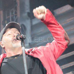 Vasco Live Kom 015: le foto del concerto di Bari 58 Vasco Live Kom 015: le foto del concerto di Bari