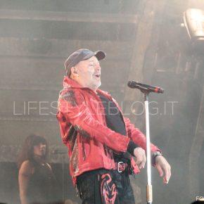 Vasco Live Kom 015: le foto del concerto di Bari 70 Vasco Live Kom 015: le foto del concerto di Bari