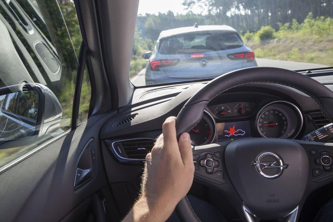 Opel Safety Assistance Systems 297173 - Nuova Opel Astra: sistemi modernissimi di assistenza alla guida, sicurezza e comfort