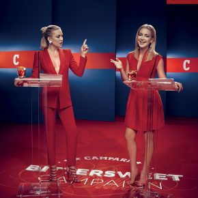 Svelato a New York l'iconico Calendario CAMPARI 2016. Protagonista Kate Hudson 20 Svelato a New York l'iconico Calendario CAMPARI 2016. Protagonista Kate Hudson