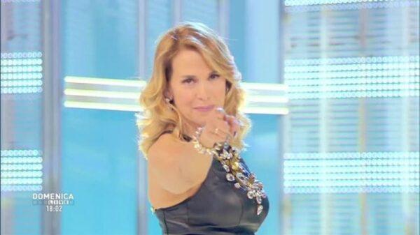 barbara d urso domenica live 600x337 - Ascolti tv: Barbara D'Urso protagonista della settimana con Pomeriggio 5