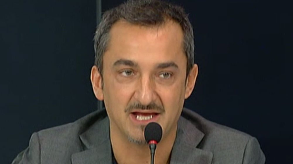 """Nicola Savino: """"A sette mesi in ospedale, mi tagliarono per sbaglio un dito con la forbice"""" 34 Nicola Savino: """"A sette mesi in ospedale, mi tagliarono per sbaglio un dito con la forbice"""""""