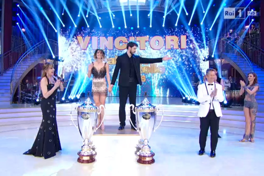 Ballando con le Stelle 2016: vincono Iago Garcia e Samanta Togni