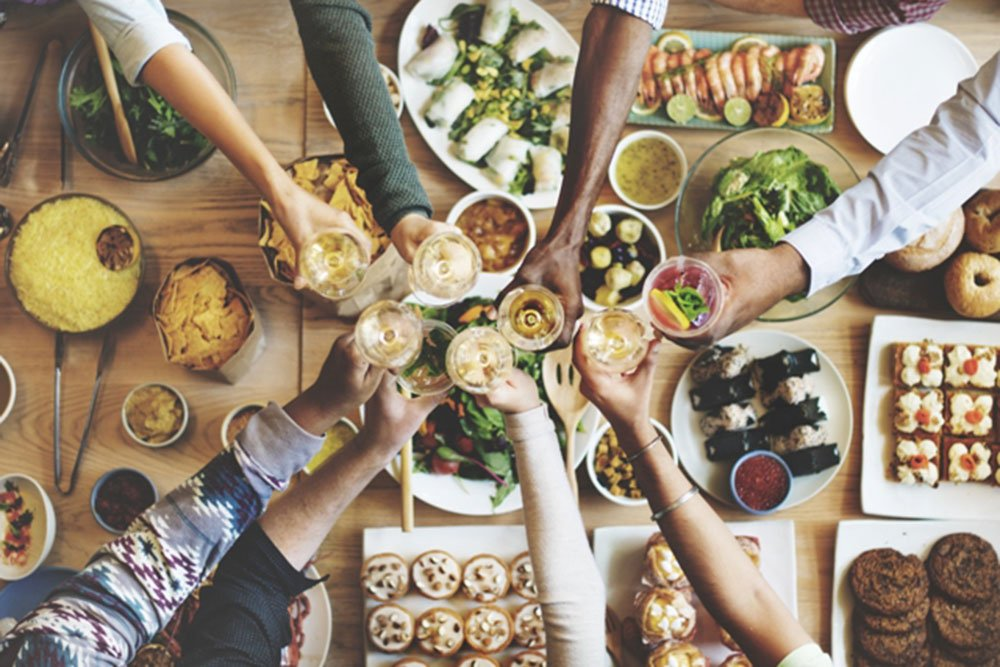 Il galateo...a tavola: le regole di bon ton più bizzarre per mangiare nel mondo 28 Il galateo...a tavola: le regole di bon ton più bizzarre per mangiare nel mondo