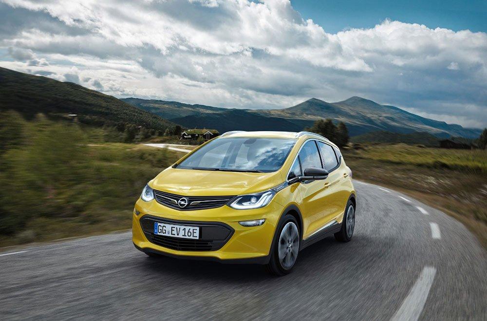 opel ampera - Autonomia di oltre 400 chilometri: la nuova Opel Ampera-e rivoluziona la mobilità elettrica