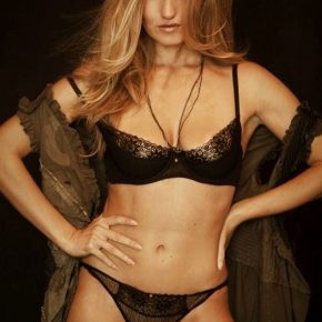 Aurora Marchesani, la modella glamour che ha conquistato il mondo 11 Aurora Marchesani, la modella glamour che ha conquistato il mondo