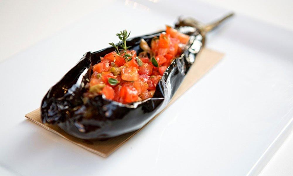 Ricette: melanzana fondente con pomodoro condito, nocciole e profumi del Mediterraneo 7 Ricette: melanzana fondente con pomodoro condito, nocciole e profumi del Mediterraneo