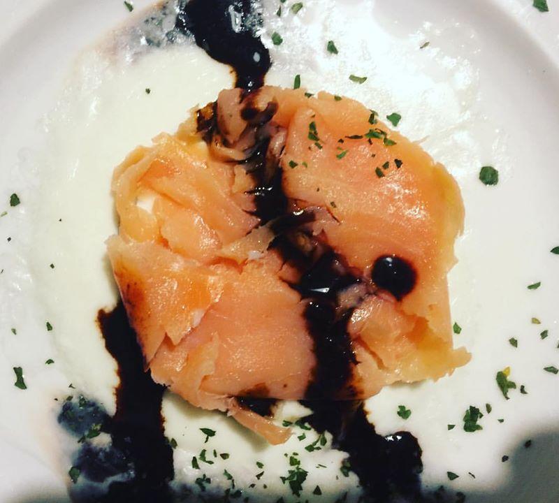 Tortino di salmone affumicato su letto di scamorza fusa e Ficotto 22 Tortino di salmone affumicato su letto di scamorza fusa e Ficotto