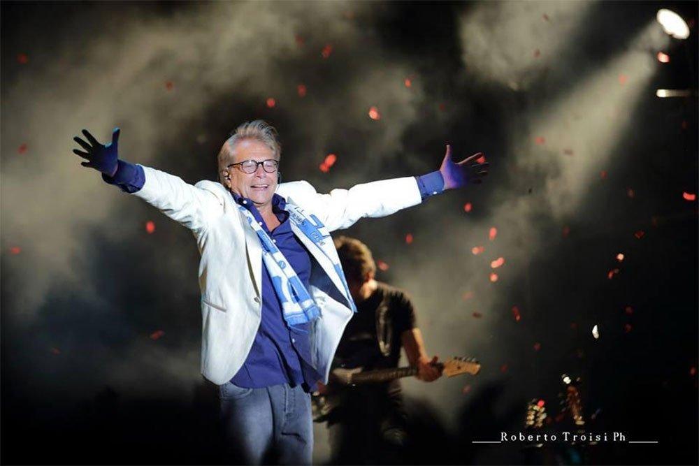 Napoli, Nino D'Angelo festeggia al San Paolo i suoi 60 anni