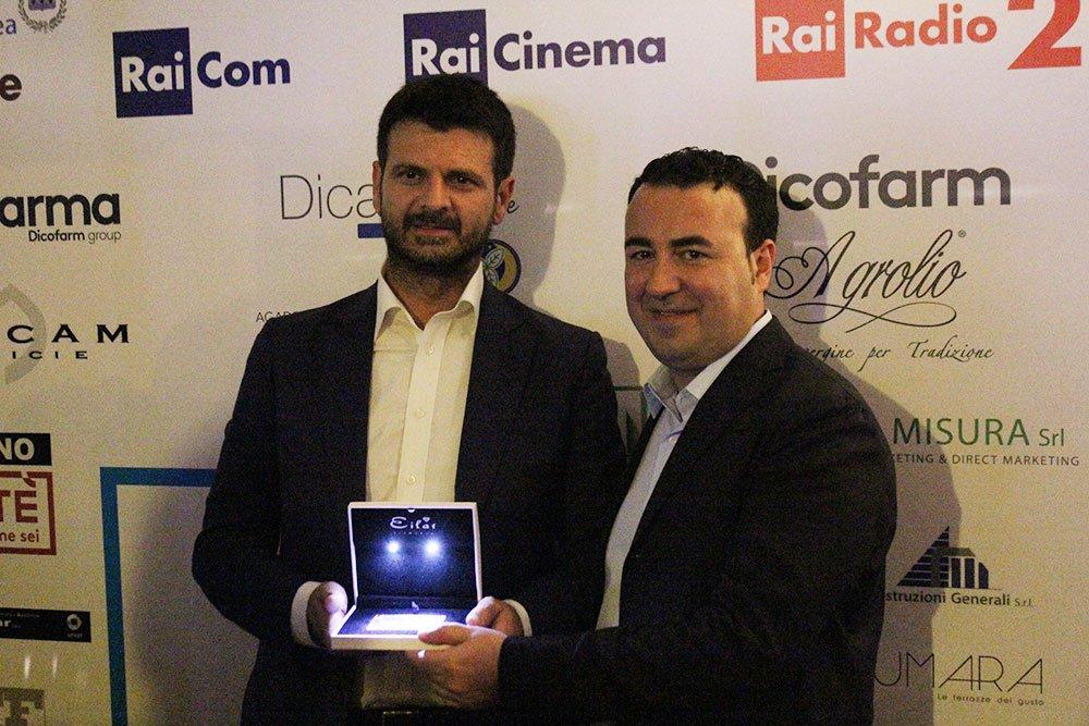 Andrea Fabiano riceve l'Eilat Diamond Award da Cataldo Calabretta