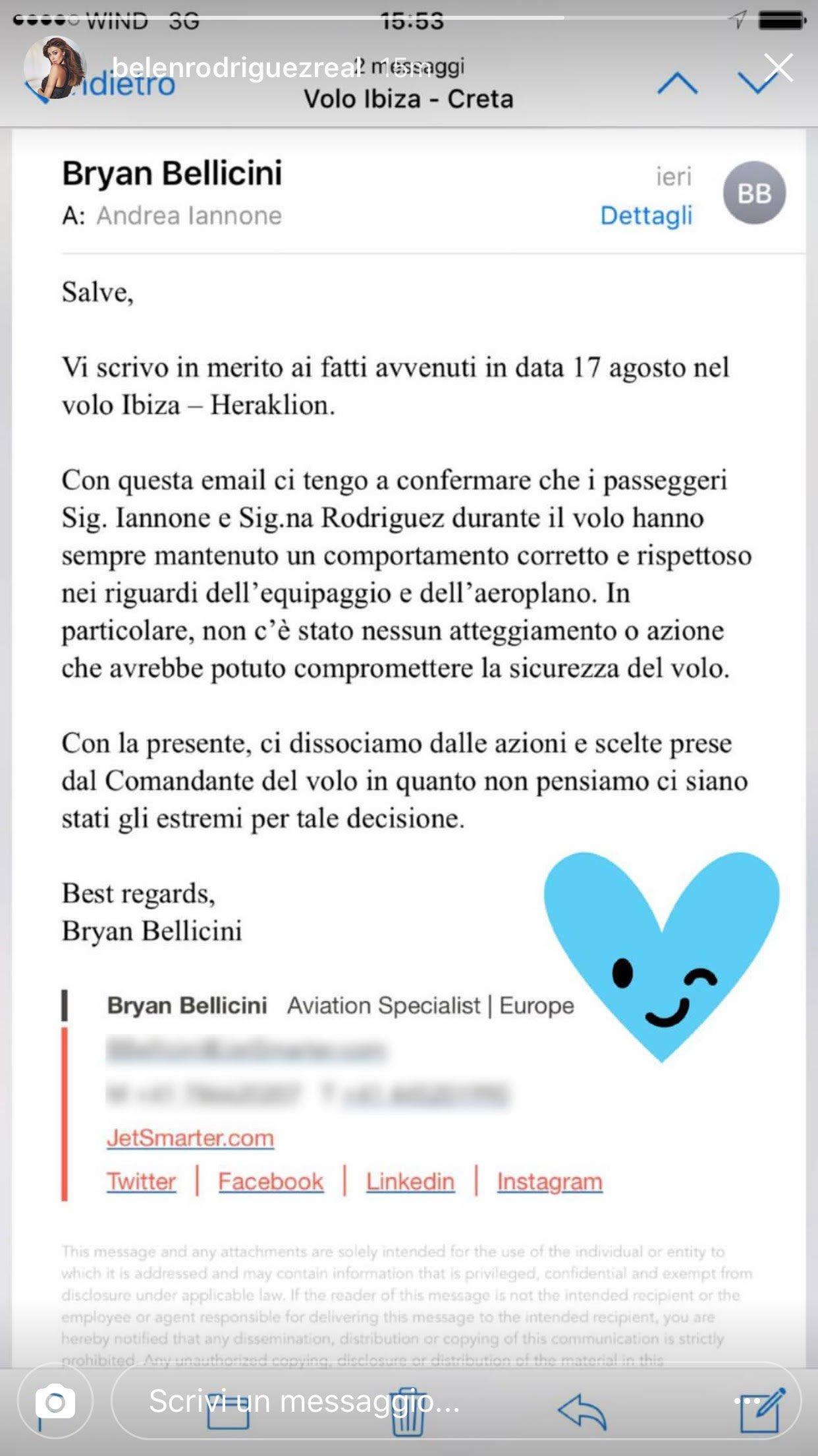 Belen e la storia del volo: arriva il chiarimento della compagnia aerea 32 Belen e la storia del volo: arriva il chiarimento della compagnia aerea