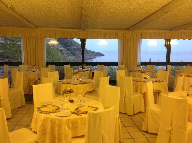 Una veduta del ristorante dell'Hotel Villa del Mare - Maratea
