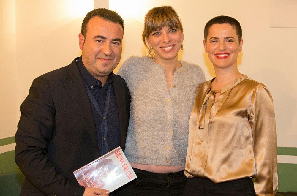 Silvia Salemi (a destra) con Cataldo Calabretta e Laura Bozzi - Foto di Alessandro Bachiorri