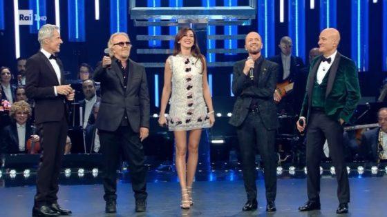 Ascolti in calo per la terza serata del Festival di Sanremo 33 Ascolti in calo per la terza serata del Festival di Sanremo