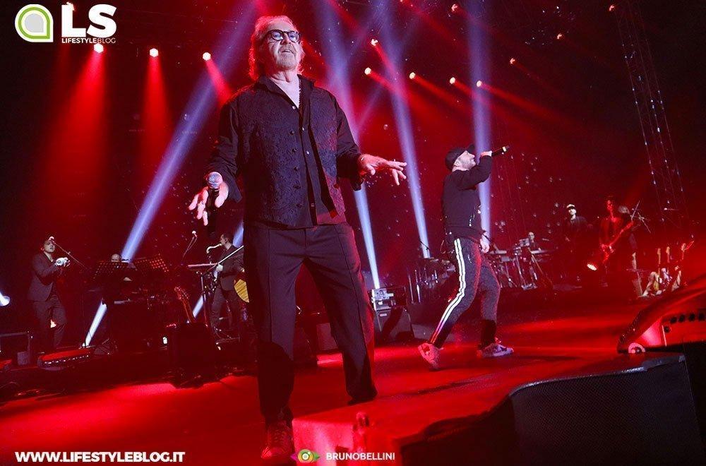 Raf e Tozzi tour: le foto del concerto di Bari 36 Raf e Tozzi tour: le foto del concerto di Bari