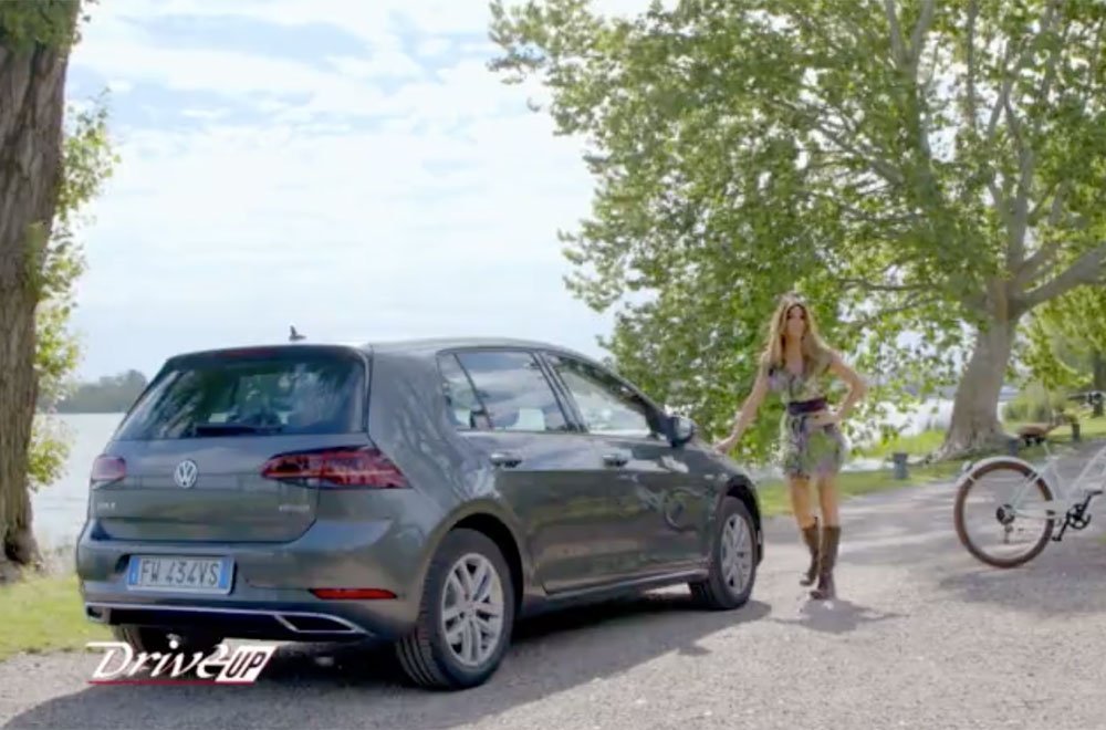 Alessia Ventura presenta la Volkswagen Golf TGI