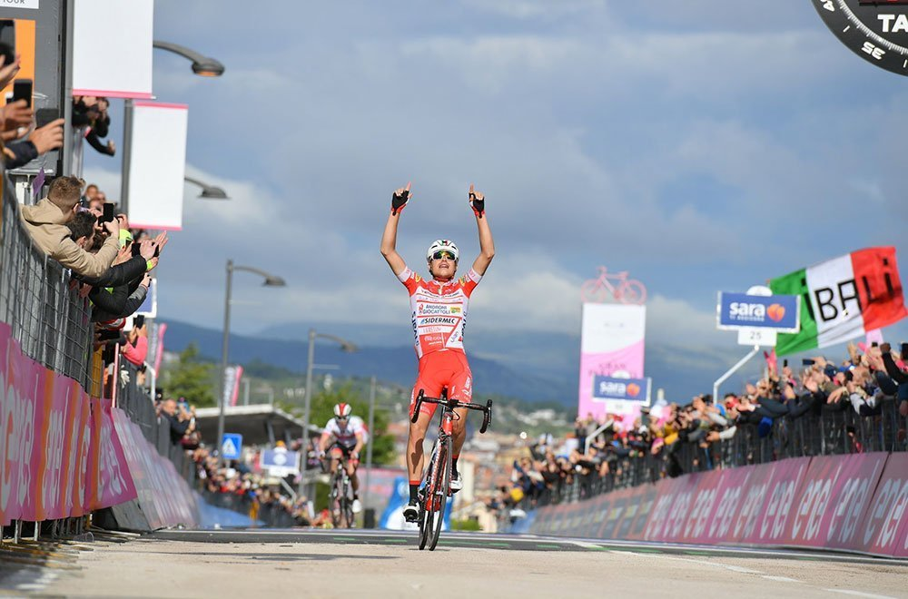 Doppietta italiana al Giro D'Italia: Masnada vince, Conti nuova Maglia Rosa 34 Doppietta italiana al Giro D'Italia: Masnada vince, Conti nuova Maglia Rosa