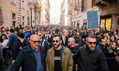 Marco Mengoni, flash mob a sorpresa nel centro di Roma 52 Marco Mengoni, flash mob a sorpresa nel centro di Roma