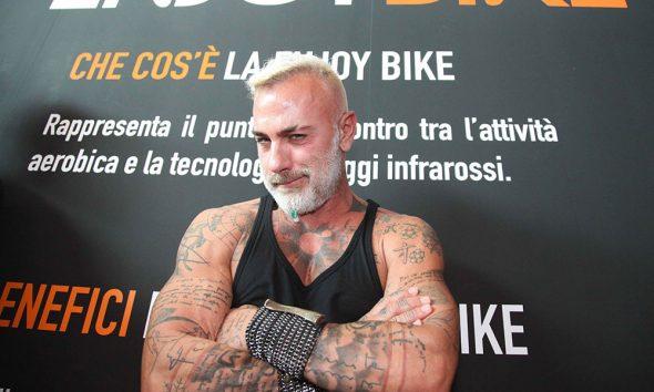 Gianluca Vacchi - Enjoy Bike