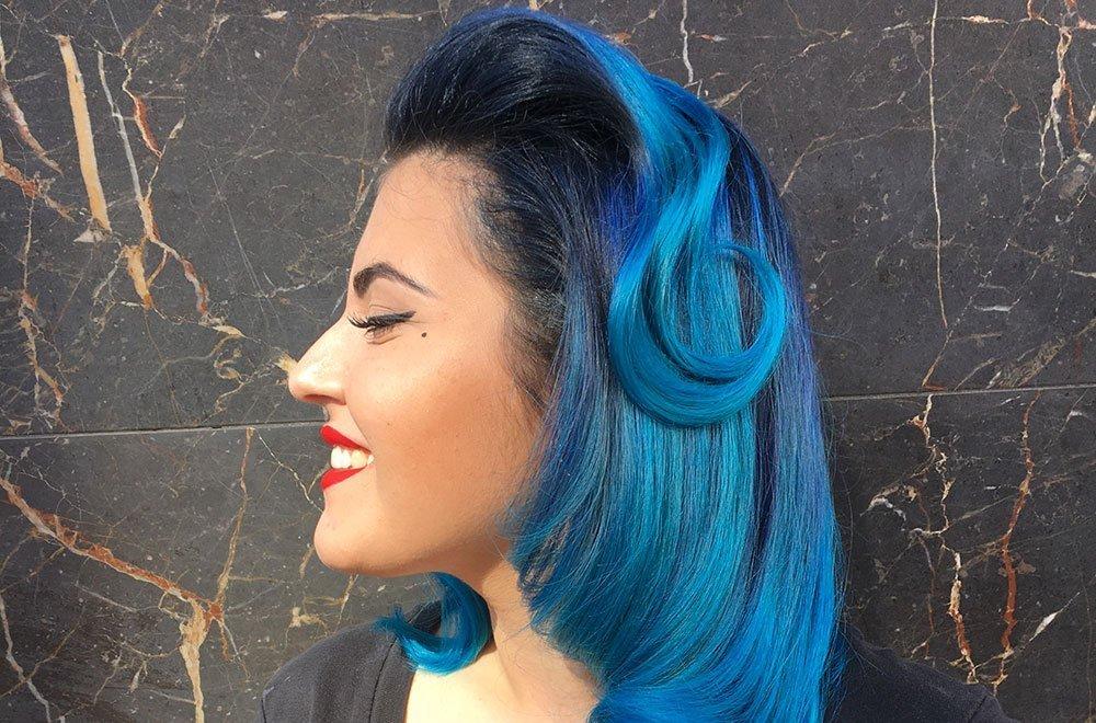Il blu tra le tendenze capelli estate 2019 14 Il blu tra le tendenze capelli estate 2019