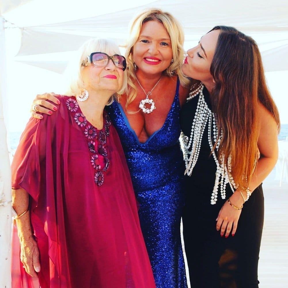 Monica Setta con la mamma e la figlia Gaia Torlontano
