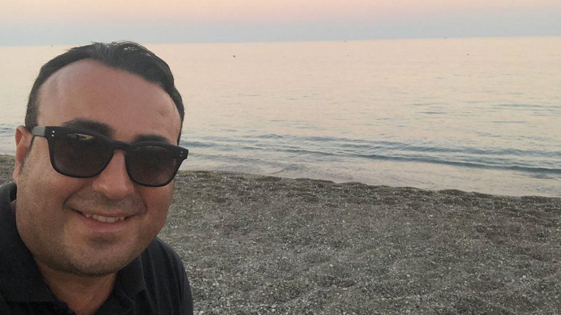 """Cataldo Calabretta e il mare della sua Cirò Marina, da 19 anni Bandiera Blu """"Il mare più bello della Calabria"""" - Nikos Beach"""
