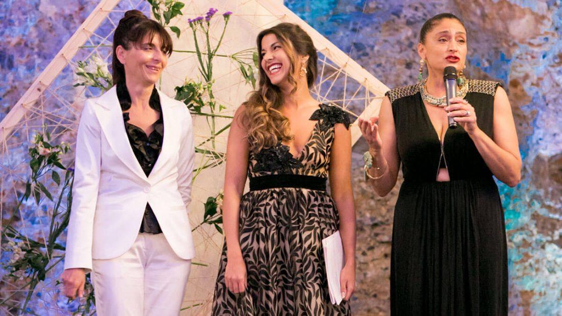 Claudia Conte (al centro) insieme a Sabrina Cannas e Mariangela De Biase