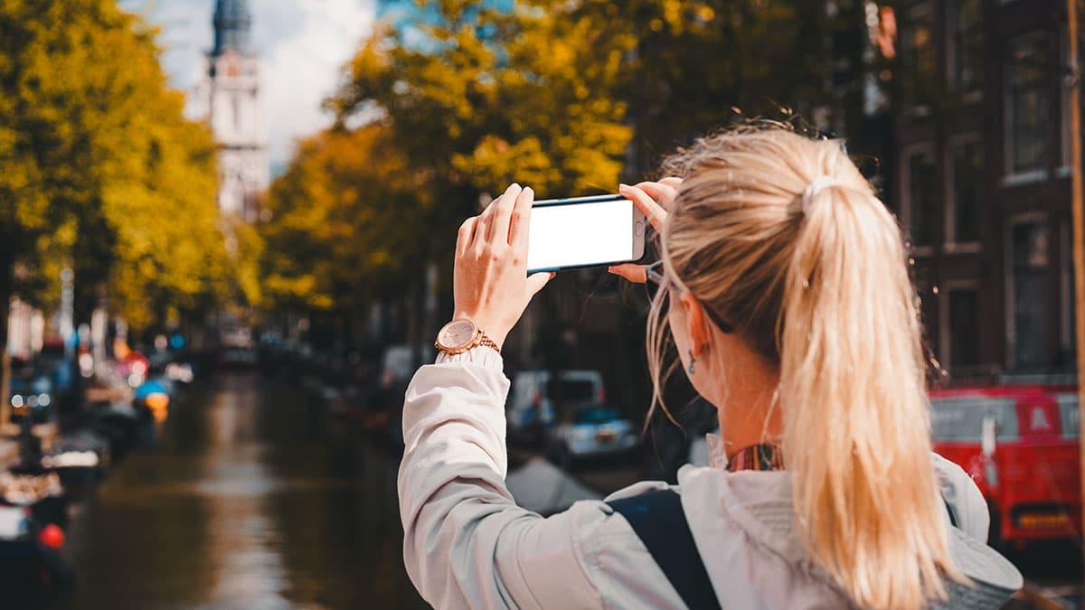 smartphone photo - Instagram sfida TikTok: in arrivo l'app Reels